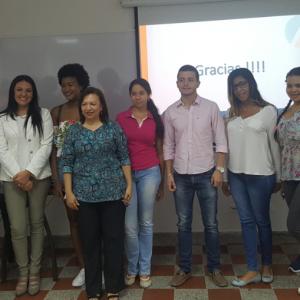 Foto Decana C.P, con estudiantes y docentes U.de Bolivar-Cartagena